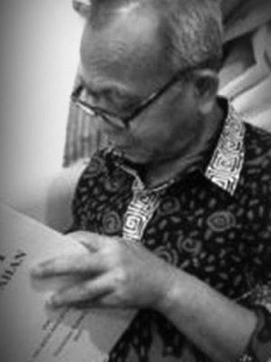 Dr. Inu Kencana Syafiie